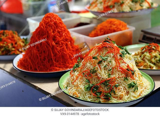 "A Korean noodle kind dish called """"Funshoza"""" that was adapted as Uzbek national food"