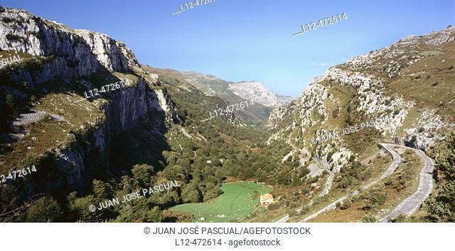 Ason River Valley. Cantabria, Spain