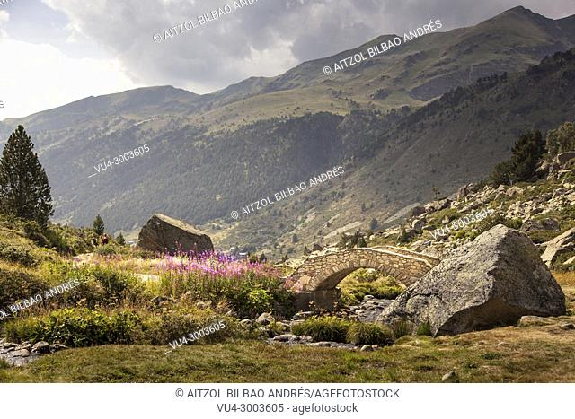 Andorra is a perfect place for hiking, you cand find beautiful places like this one, Pyrenees