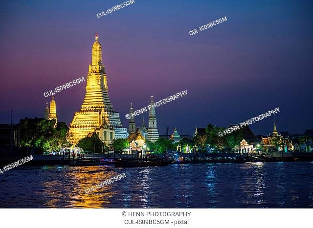 Wat Arun, the temple of dawn, Bangkok, Thailand