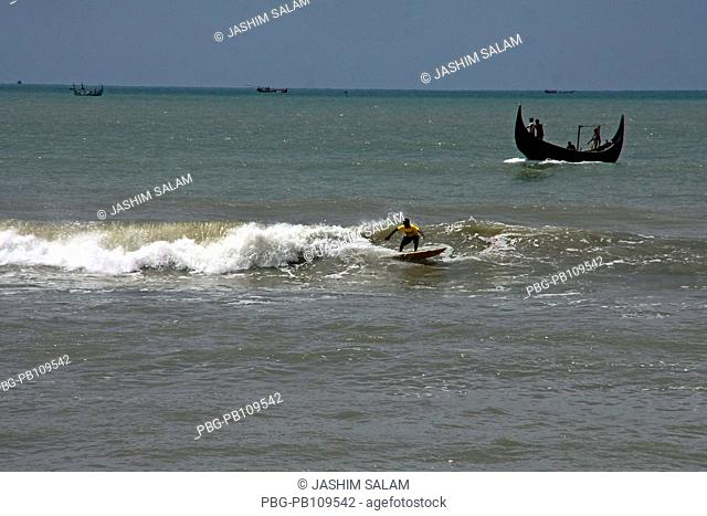 Surfing at the Bay of Bengal Surf the Nations organized 6th Surf Classic Tournament at Kolatoli Beach in CoxÆs Bazar More than 50 participants contested in...