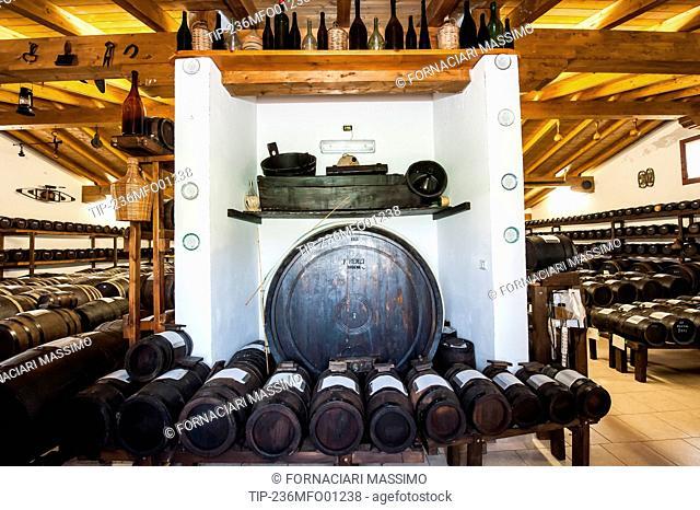 balsamic vinegar house, ageing in barrels