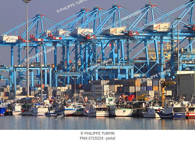 Spain, Andalousia. Algeciras. The harbor