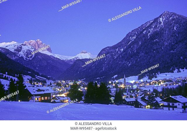 europe, italy, trentino, dolomites, val di fassa, pozza, sassolungo mountain