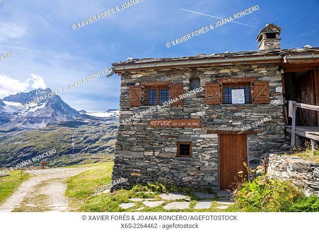 Refuge du Lac Blanc, National Park of La Vanoise, Savoie, Rhône-Alpes, France