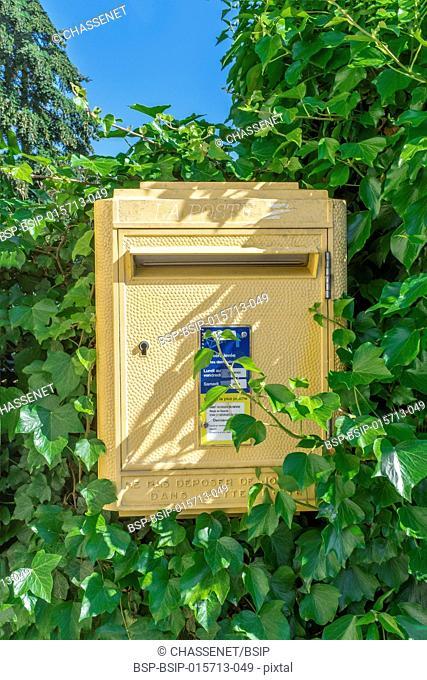 La Poste mailbox