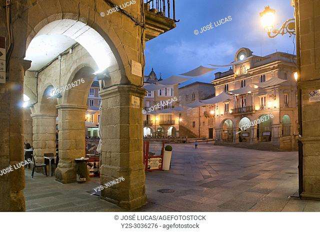 Plaza Mayor at dusk, old town, Orense, Region of Galicia, Spain, Europe