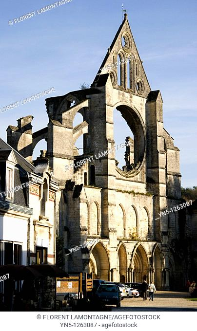 France, Picardie province, Aisne, Longpont, abbaye and its front