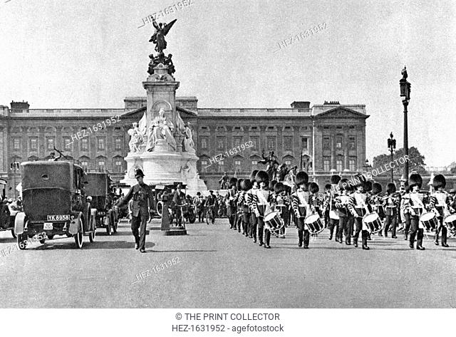 Changing of the guard, Buckingham Palace, London, 1926-1927. Illustration from Wonderful London, edited by Arthur St John Adcock, Volume I