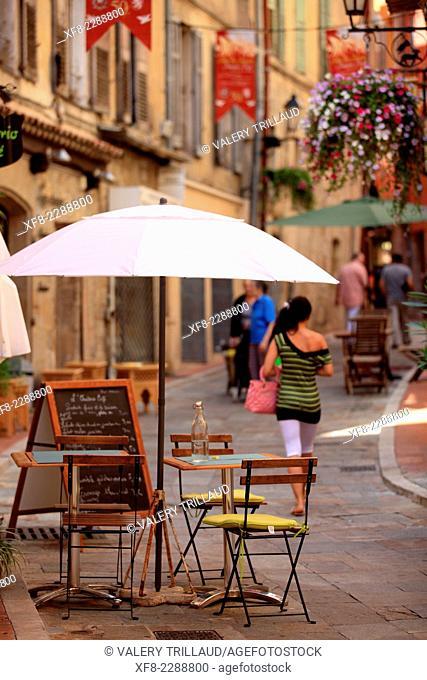 Touristic street in the city of Grasse, Préalpes d'Azur regional park, Alpes-Maritimes, Provence-Alpes-Côte d'Azur, France