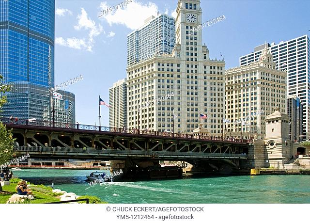 Michigan Avenue Bridge at the Chicago River  Trump Tower to left, Wrigley Bldg center