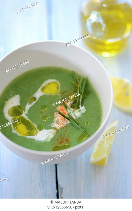 Broccoli soup with olive oil