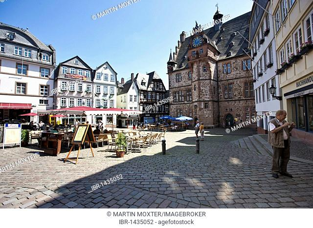 Old town, market square with restaurants, market place, the town hall on the right, Marburg, Hessen, Germany, Europe