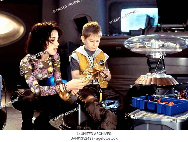 Lost In Space, , Lost In Space, , Lacey Chabert, Jack Johnson *** Local Caption *** 1998