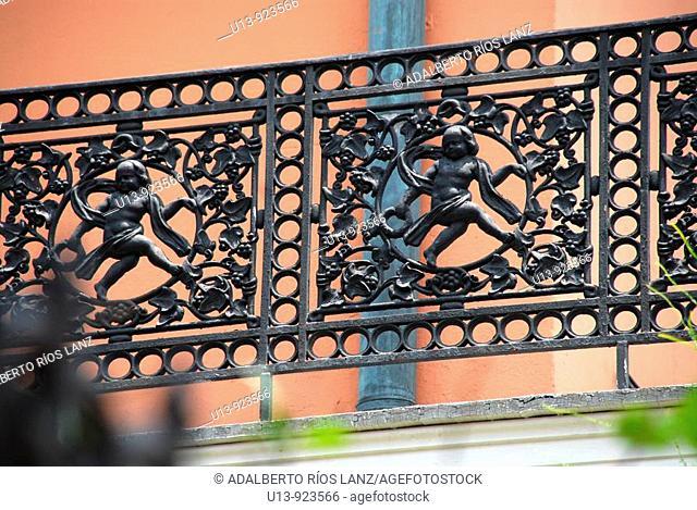 Cast iron fence of the Gauche Villa, Esplanade Avenue, Royal Avenue, French Quarter, Vieux Carré Historic District, New Orleans, Louisiana, USA
