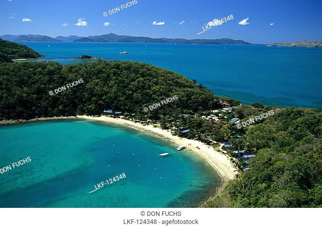 Aerial photo of Peppers Resort auf Long Island, Whitsunday Islands, Great Barrier Reef, Australia