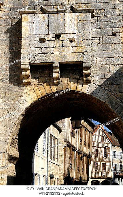 France, Burgondy, Yonne, medieval city of Noyers sur serein