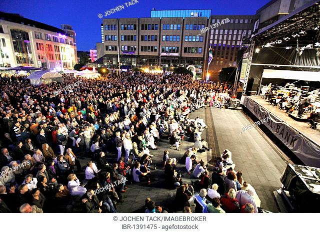 Essener Philharmoniker philharmonic orchestra in the central Kennedyplatz square at the Essen-Original, multi-day open-air concert event throughout the city of...