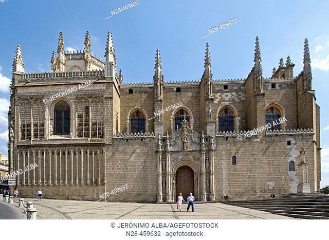 Side view of San Juan de los Reyes monastery, Toledo. Castilla-La Mancha, Spain