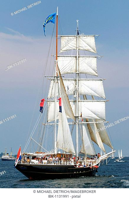 Sailing ship at the windjammer parade of the Kiel Week 2006, Kiel Fjord, Schleswig-Holstein, Germany, Europe