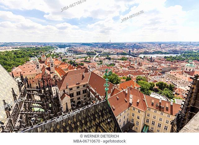 Czechia, Prague, view from the St. Vitus Cathedral above Malá Strana and old town, Vltava, Charles Bridge, Hradcany, castle, Prague castle, St