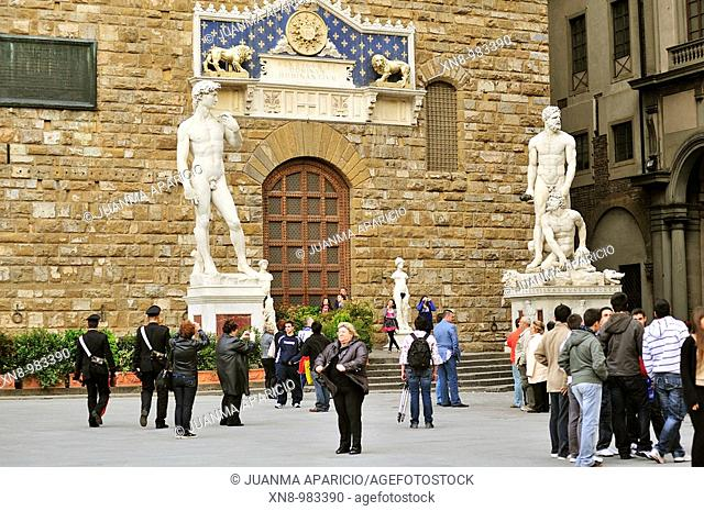 Michelangelo's David Replica, right Hercules and Cacus by Baccio Bandinelli front of the Palazzo della Signoria   Florence (Firenze in Italian) is a city...