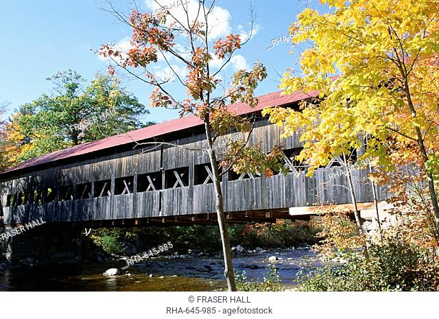 Albany covered bridge over Swift River, Kangamagus Highway, New Hampshire, New England, United States of America U.S.A., North America