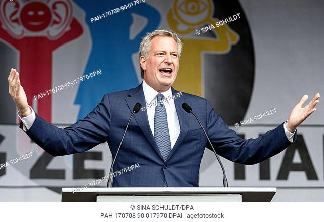 Bill de Blasio, the mayor of New York, gives a speech at the 'Hamburg Shows Attitude' demonstration in Hamburg, Germany, 8 July 2017