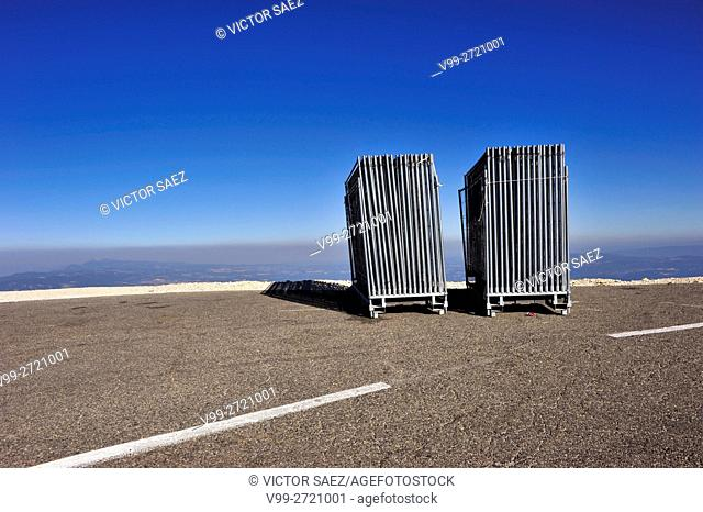 barriers, mont-ventoux, France
