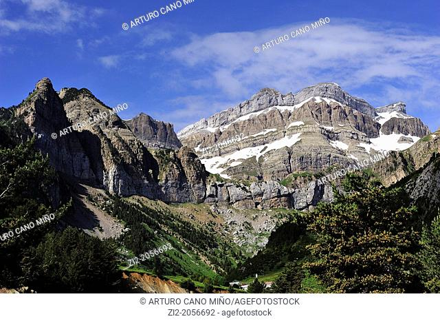 El Tobazo, Canfranc Valley, Aragonese Pyrenees, Huesca province, Aragon, Spain