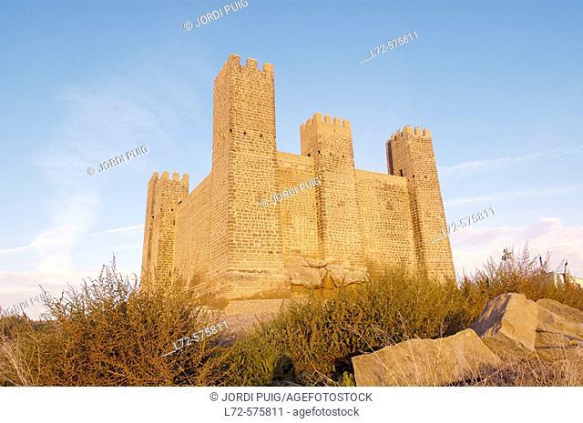 Castle, Sádaba. Cinco Villas, Zaragoza province, Aragón, Spain