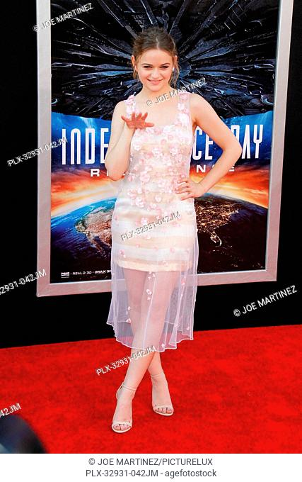 Joey King at the premiere of 20th Century Fox's Independence Day: Resurgence at TCL Chinese Theatre on June 20, 2016 in Hollywood, California