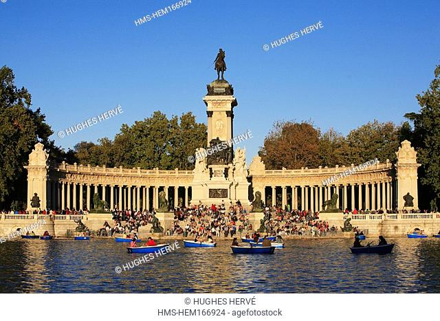 Spain, Madrid, lake of Retiro park