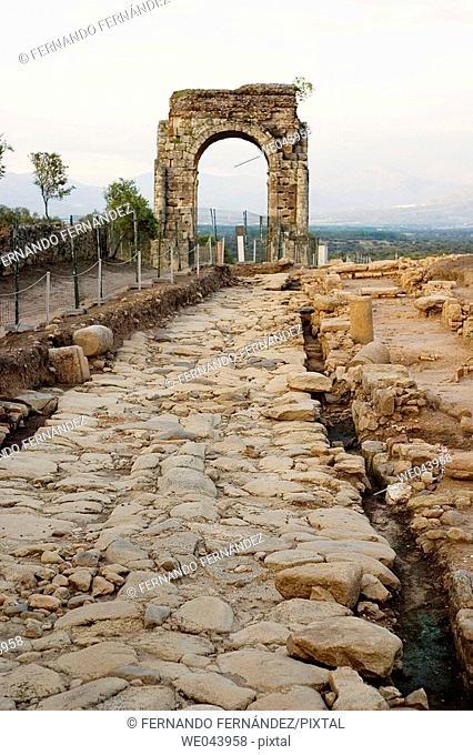 Càparra Arch and roman road. Via de la Plata, Oliva de Plasencia, Caceres province. Extremadura, Spain