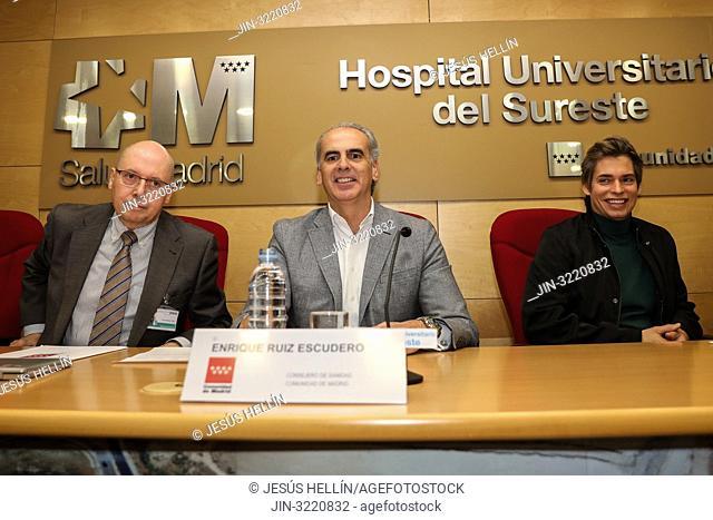 Carlos Sangregorio(l), Managing Director University Hospital of the Southeast, Enrique Ruiz Escudero(c), Health Minister of the Community of Madrid and Carlos...