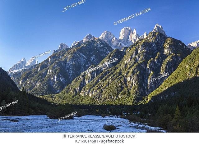 The Dolomite mountains near Auronzo di Cadore, Belluno, Veneto, northern Italy, Europe