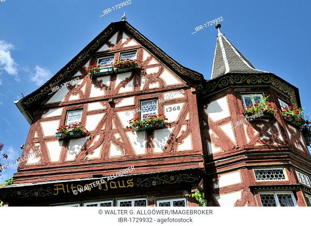 Altes Haus, Old House from 1368, one of the largest medieval half-timbered houses along the Rhine River, Bacharach, UNESCO World Heritage Site Upper Middle...