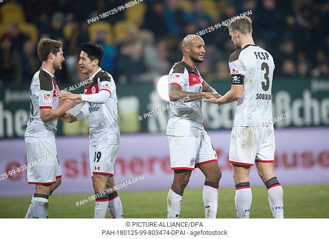 Dynamo Dresden meets FCSt. Pauli in a Bundesliga match in Dresden, Germany, 25 January 2018. St. Pauli's Daniel Buballa (l-r), Yi-Young Park