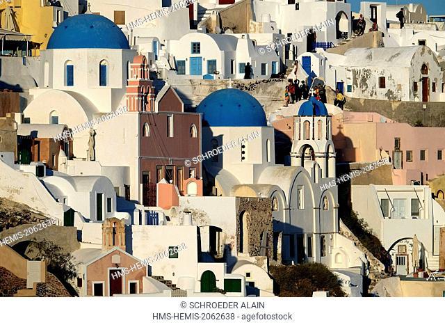 Greece, Cyclades, Santorini (Thira), village of Oia (Ia)
