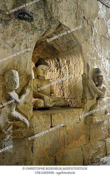 Myanmar, Rakhine State, Mrauk U, Dukkanthein pagoda (16th C), Buddha surrounded by lotus flowers bearers