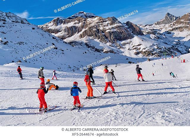 Formigal Ski Resort, Ski Area, Pyrenees, Huesca, Aragón, Spain, Europe