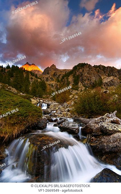 Italy, Piedmont, Cuneo District, Gesso Valley, Alpi Marittime Natural Park, sunset on the Nasta Peak