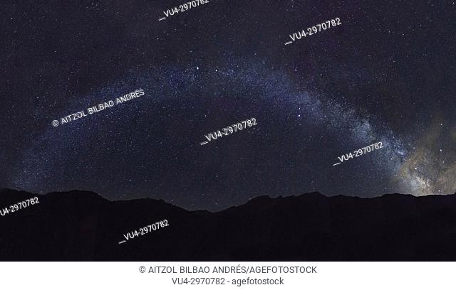 Milky way pano from the Bujaruelo valley camping, pyrenees, spain