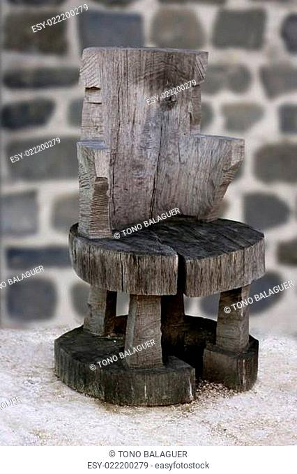 Anciennt rustic handcraft wooden chair