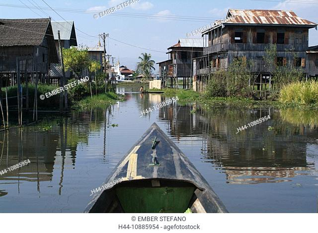 Asia, Burma, Myanmar, lake Inle, Inpaw Khone, village, posts, canoe, stilts, waters