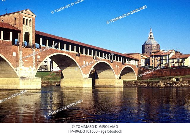 Italy, Lombardy, Pavia, covered bridge over the Ticino river