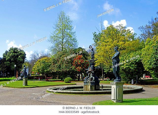 Jardim Do Palacio Do Cristal, Brunnen, Statuen, Bäume, Blüten