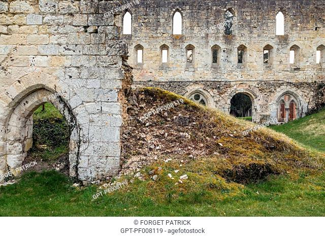 RUINS OF THE MONKS' DORMITORY, CISTERCIAN ROYAL ABBEY OF MORTEMER, BUILT IN THE 12TH CENTURY BY HENRI I BEAUCLERC, SON OF THE WILLIAM THE CONQUEROR