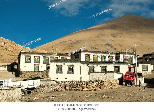 Remote Tibetan village near Everest (Qomolangma) Base Camp, Tibet, China