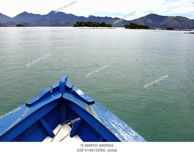 one boat sailing at angra dos reis sea